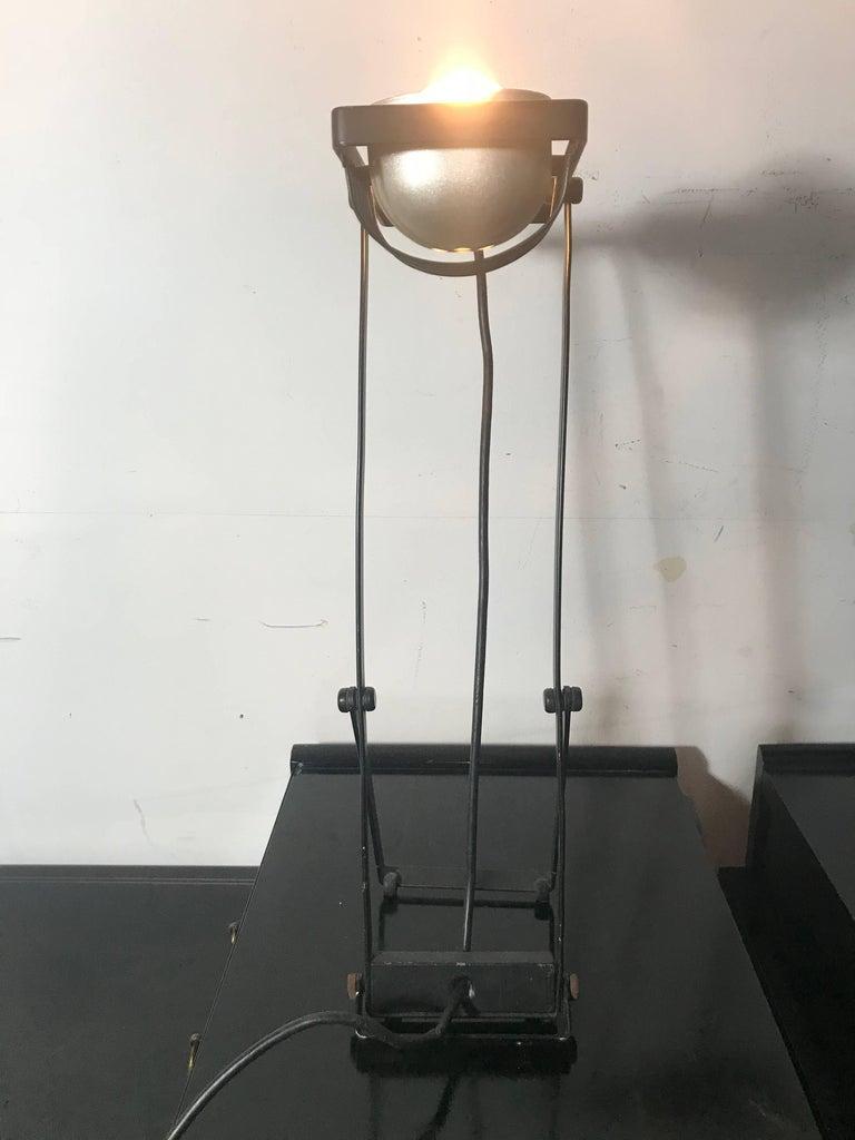 Painted Ernesto Gismondi Sintesi Table or Desk Lamp, Artemide For Sale