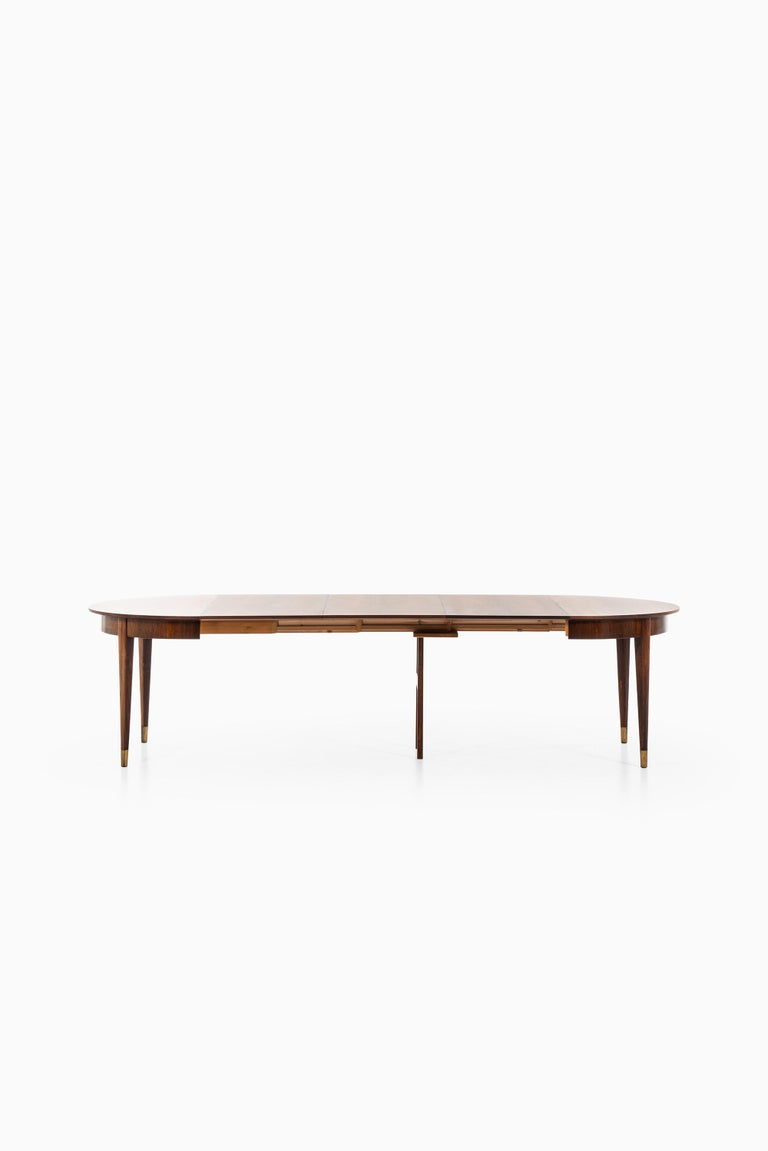 Ernst Kühn Dining Table in Rosewood by Lysberg Hansen & Therp in Denmark In Good Condition For Sale In Malmo, SE