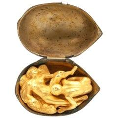 Erotic 18 Karat Yellow Gold Walnut Charm