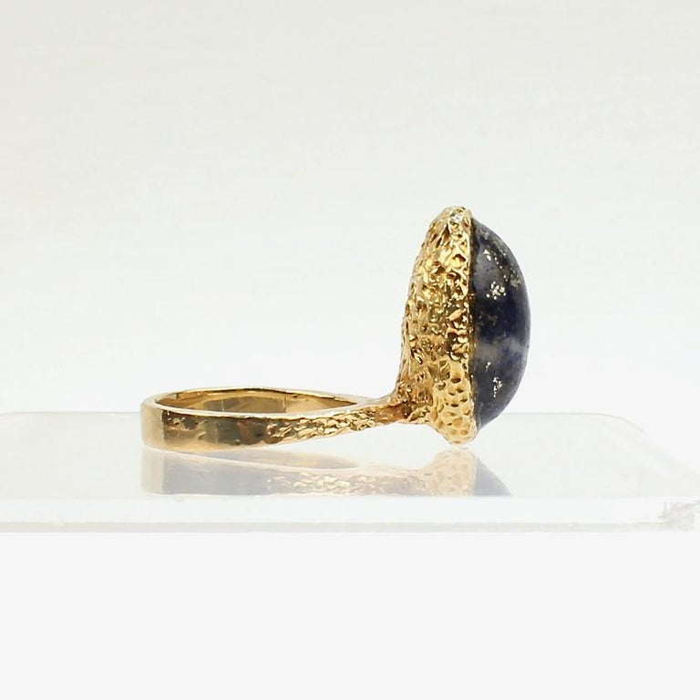 Erwin Pearl Asymmetrical Modernist 18 Karat Gold and Lapis Lazuli Cocktail Ring In Good Condition For Sale In Philadelphia, PA