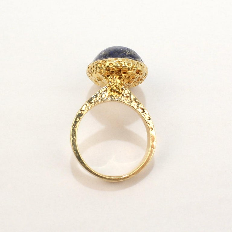 Erwin Pearl Asymmetrical Modernist 18 Karat Gold and Lapis Lazuli Cocktail Ring For Sale 3
