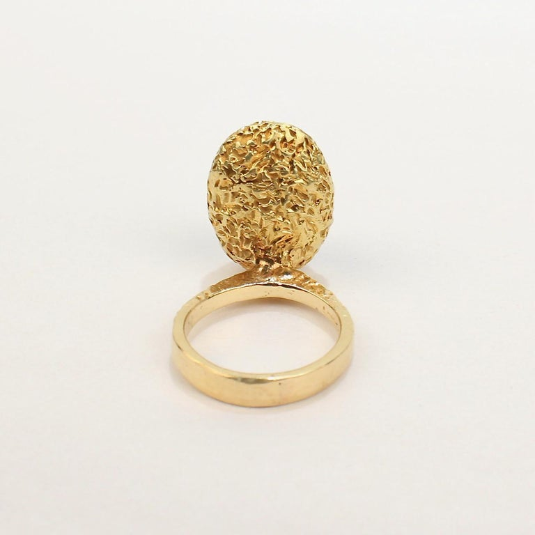 Erwin Pearl Asymmetrical Modernist 18 Karat Gold and Lapis Lazuli Cocktail Ring For Sale 4