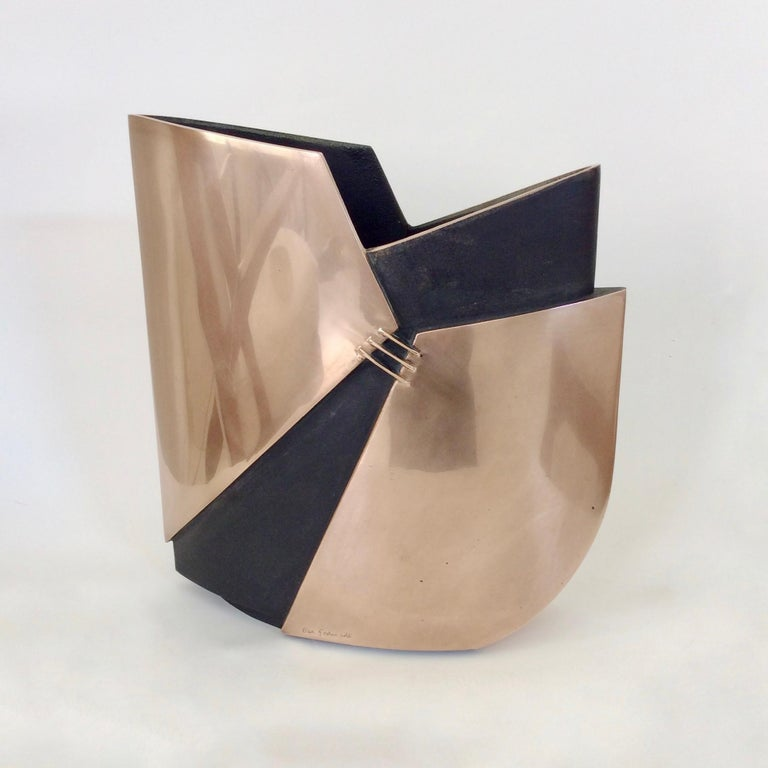 Esa Fedrigolli Bronze Vase, circa 1970, Italy For Sale 1