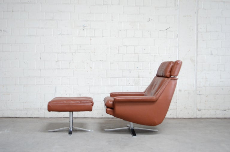 Scandinavian Modern Esa Model 802 Leather Danish Lounge Chair and Ottoman by Werner Langenfeld, 1960 For Sale