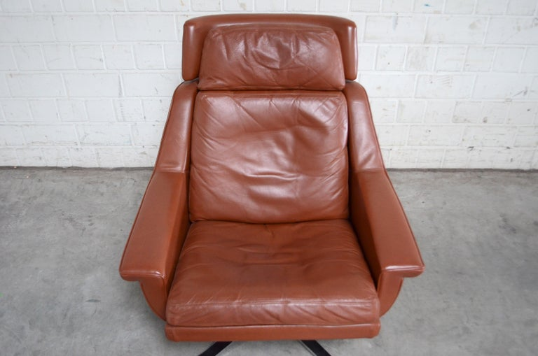 Esa Model 802 Leather Danish Lounge Chair and Ottoman by Werner Langenfeld, 1960 For Sale 2