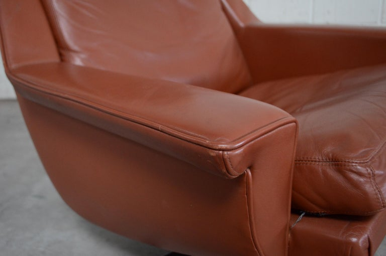 Esa Model 802 Leather Danish Lounge Chair and Ottoman by Werner Langenfeld, 1960 For Sale 3