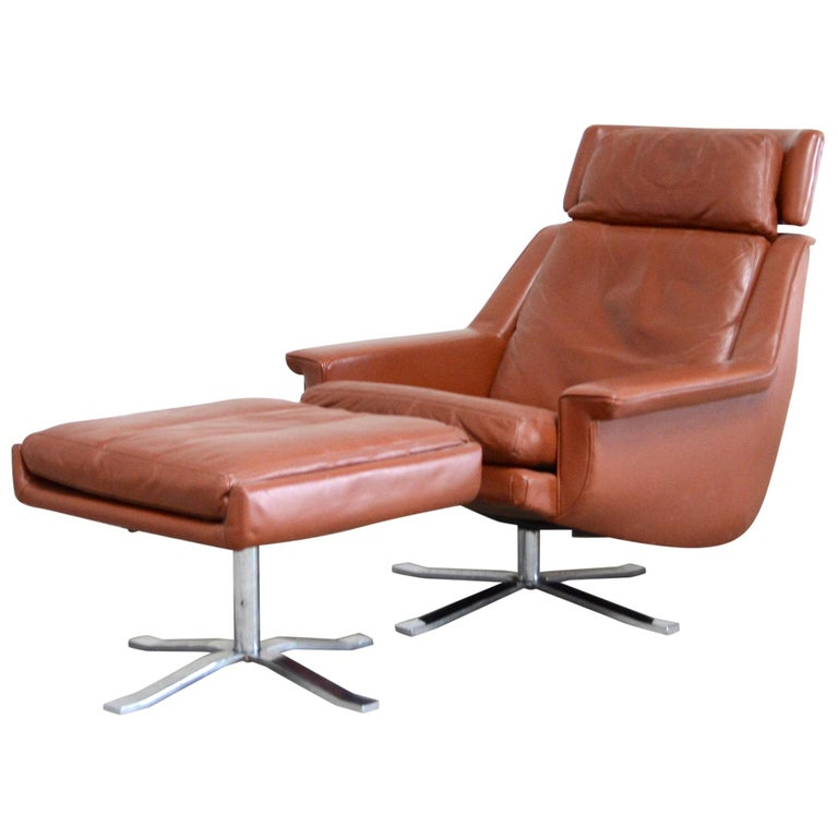 Esa Model 802 Leather Danish Lounge Chair and Ottoman by Werner Langenfeld, 1960 For Sale