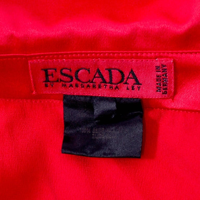 Escada Blazer in Red Black and Pink Novelty Shoe Lover Print 1980s Jacket  In Excellent Condition For Sale In Portland, OR
