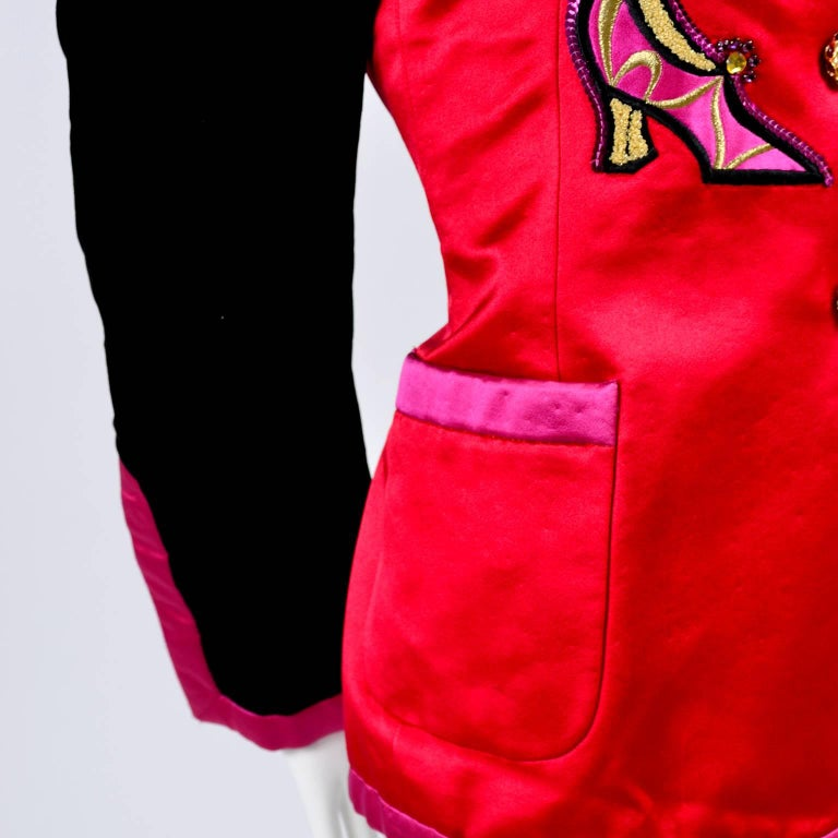Escada Blazer in Red Black and Pink Novelty Shoe Lover Print 1980s Jacket  For Sale 4