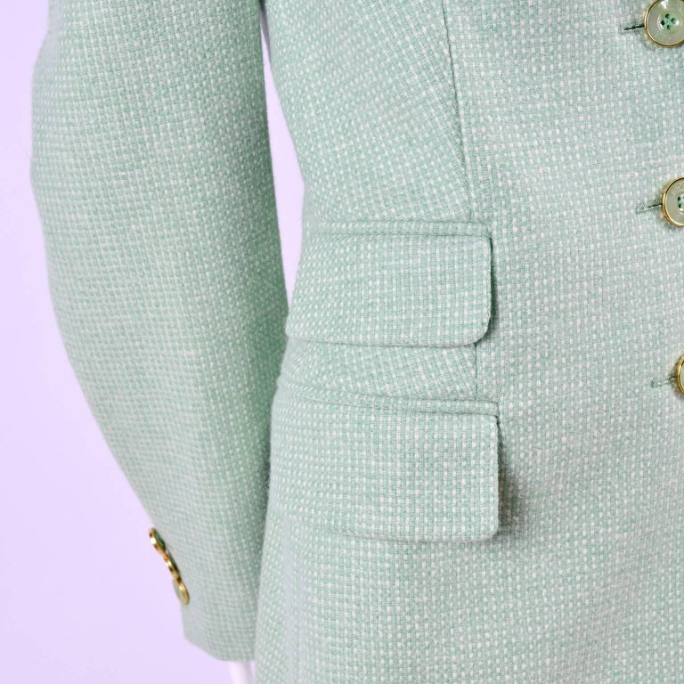 Escada Margaretha Ley Green Cashmere Blazer Jacket in Size 8 In Excellent Condition For Sale In Portland, OR