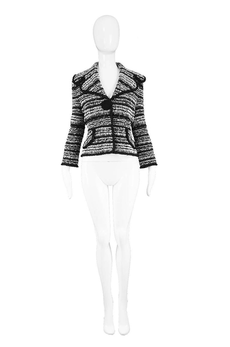 """Escada Black, White & Silver Lurex Textured Knitted Boucle Tweed Blazer  Size: Marked 36 which is roughly a women's Small but would also suit a Medium due to stretchy knit fabric. Please check measurements. Bust - 38"""" / 96cm Waist - 30"""" /"""