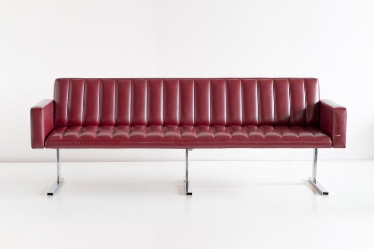 Scandinavian Modern Esko Pajamies Three-Seat Cantilevered Sofa, Merva, Finland, 1960s For Sale