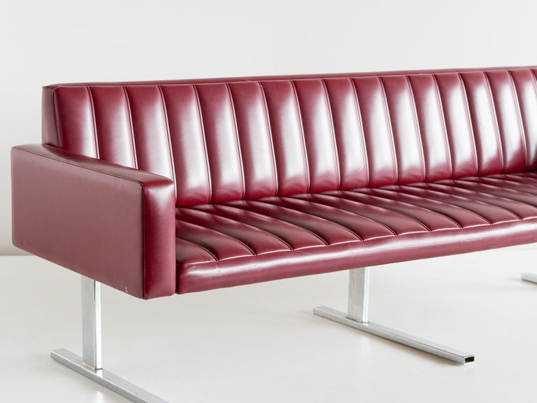 Esko Pajamies Three-Seat Cantilevered Sofa, Merva, Finland, 1960s In Good Condition For Sale In The Hague, NL