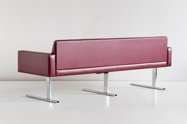 Esko Pajamies Three-Seat Cantilevered Sofa, Merva, Finland, 1960s For Sale 1