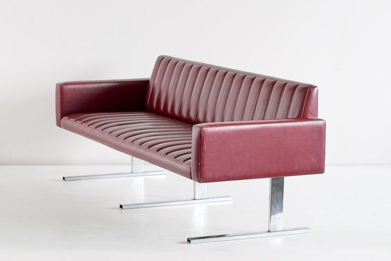Esko Pajamies Three-Seat Cantilevered Sofa, Merva, Finland, 1960s For Sale 2