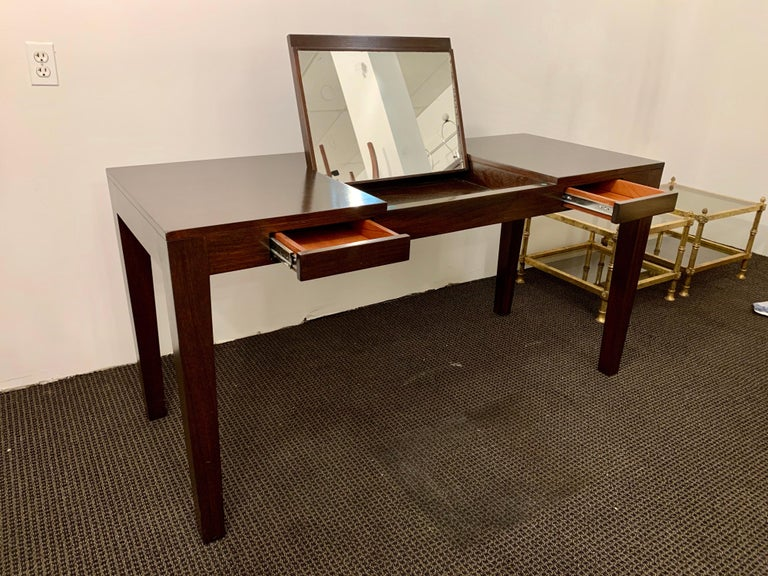 Espresso Finish Art Deco Style Vanity/ Writing Desk In Good Condition For Sale In East Hampton, NY