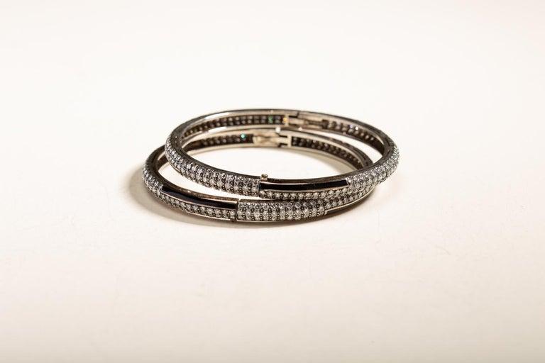 Brilliant Cut Art Deco Style Yin Yang Black Enamel Diamond Bracelet in 18 Karat Gold For Sale