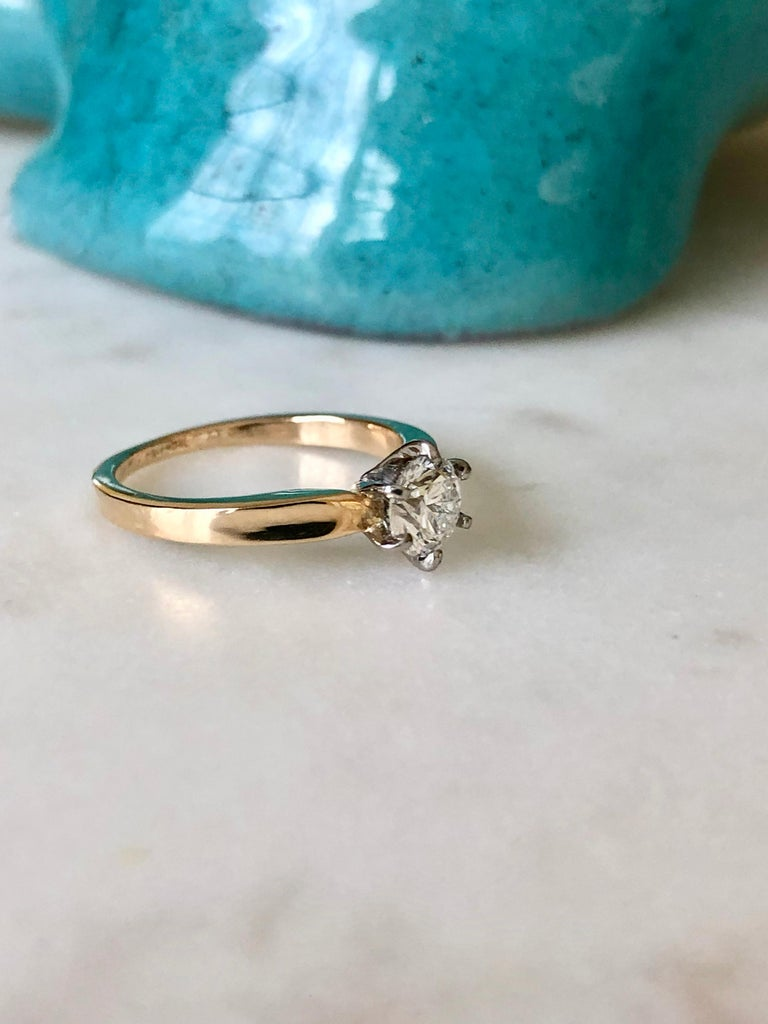 Vintage 0.75 Carat Natural Diamond Engagement Ring 18 Karat Gold & Platinum In Excellent Condition For Sale In Brunswick, ME