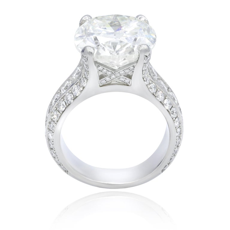 Estate 10.73 Carat Gia Certified Cushion Cut Diamond Ring In New Condition For Sale In New York, NY