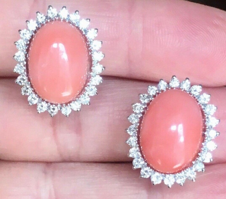 Estate 18 Karat Angel Skin Coral 1.10 Carat VS Diamond Stud Drop Earrings For Sale 6