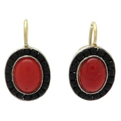 Estate 18 Karat Yellow Gold 1950s Coral and Onyx Dangle Earrings