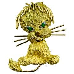 Estate 18 Karat Yellow Gold and Emerald Lion Cub / Kitty Cat Pin Brooch