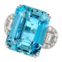 Estate 43.90 Carat Santa Maria Aquamarine Diamond 18 Karat Cocktail Fashion Ring