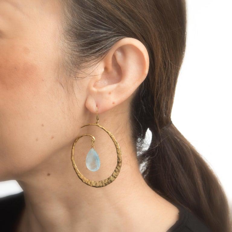 Modern Estate Aquamarine Large Hoop Drop Earrings 18 Karat Yellow Gold Hammered Jewelry For Sale