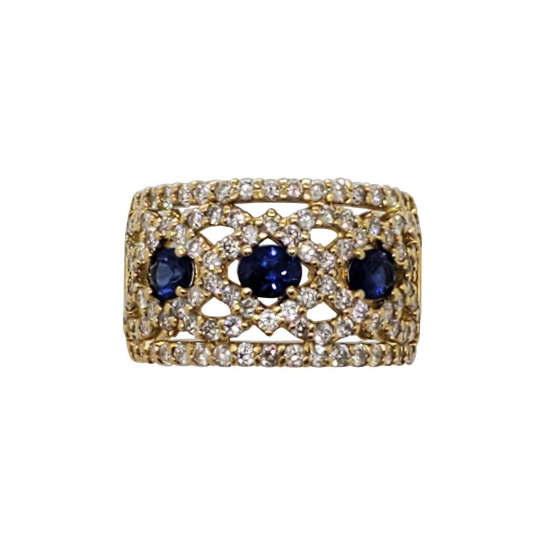 Estate Blue Sapphire Oval and White Diamond Band Ring in 18k Yellow Gold For Sale