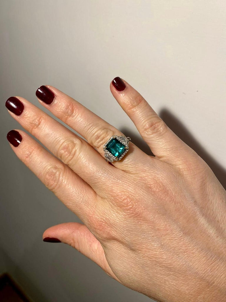 Estate Certified 3.34 Carat Natural Colombian Emerald Diamond Ring For Sale 14