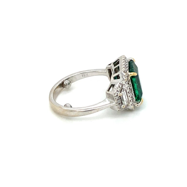 Estate Certified 3.34 Carat Natural Colombian Emerald Diamond Ring For Sale 4