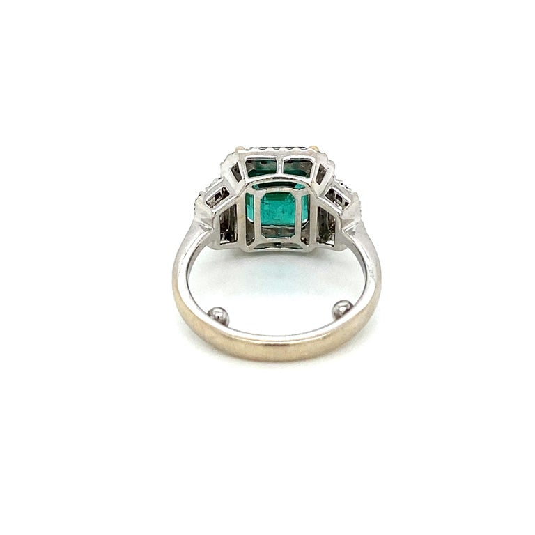 Estate Certified 3.34 Carat Natural Colombian Emerald Diamond Ring For Sale 5