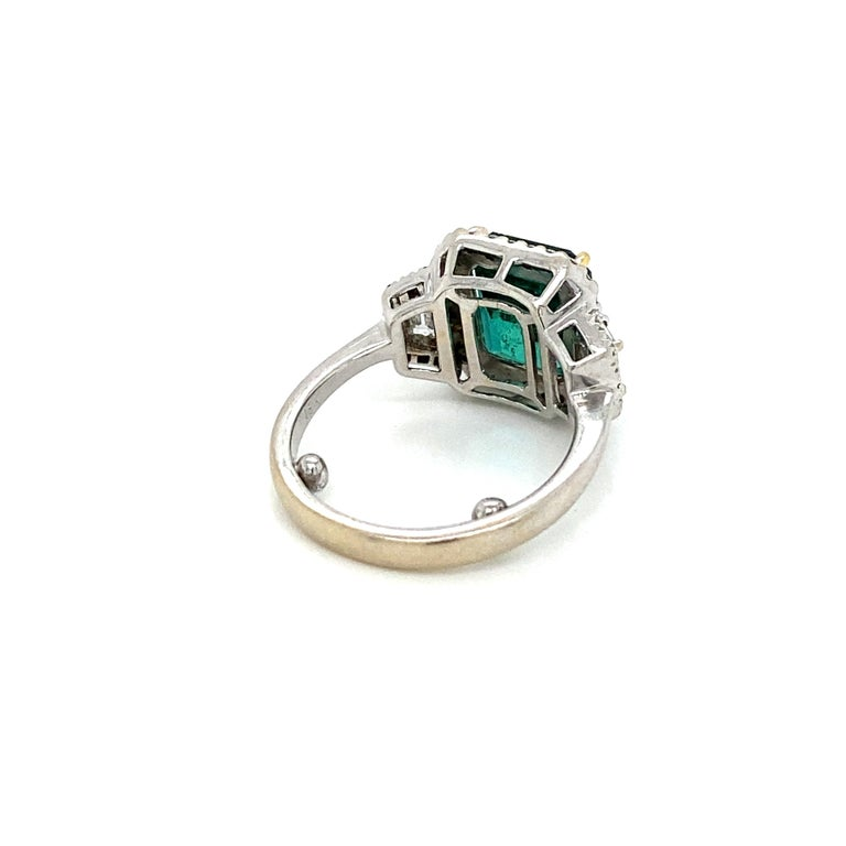 Estate Certified 3.34 Carat Natural Colombian Emerald Diamond Ring For Sale 8