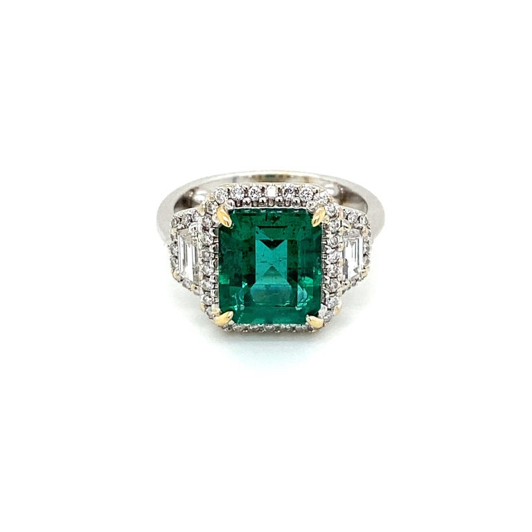 Estate Certified 3.34 Carat Natural Colombian Emerald Diamond Ring In Excellent Condition For Sale In Napoli, Italy