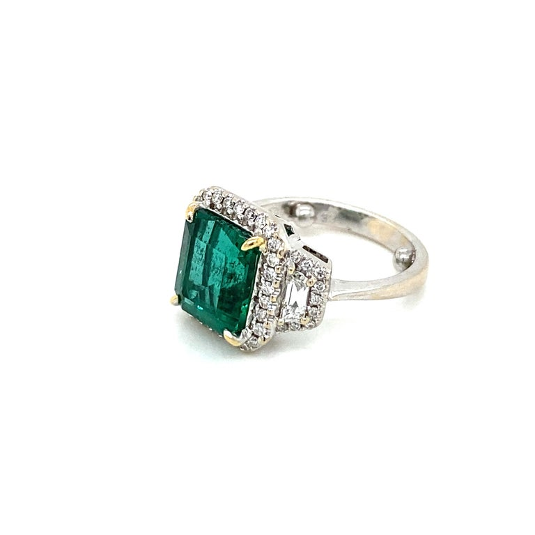 Estate Certified 3.34 Carat Natural Colombian Emerald Diamond Ring For Sale 2