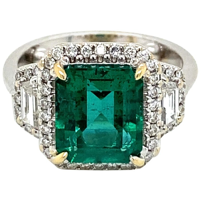 Estate Certified 3.34 Carat Natural Colombian Emerald Diamond Ring For Sale
