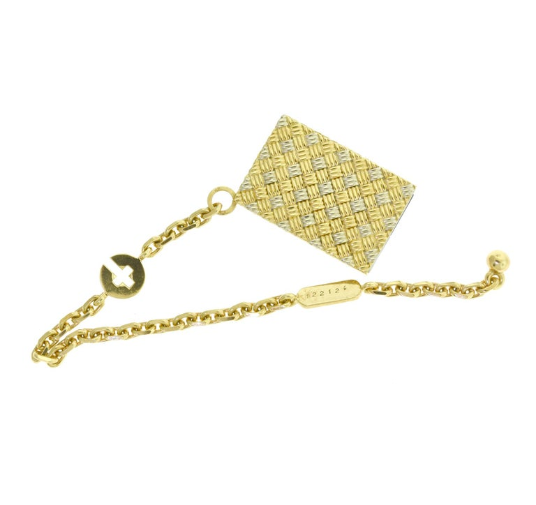 Estate Chaumet Two-Tone 18k Yellow and White Gold Photo Key Chain Holder Pendant In Good Condition For Sale In Miami, FL