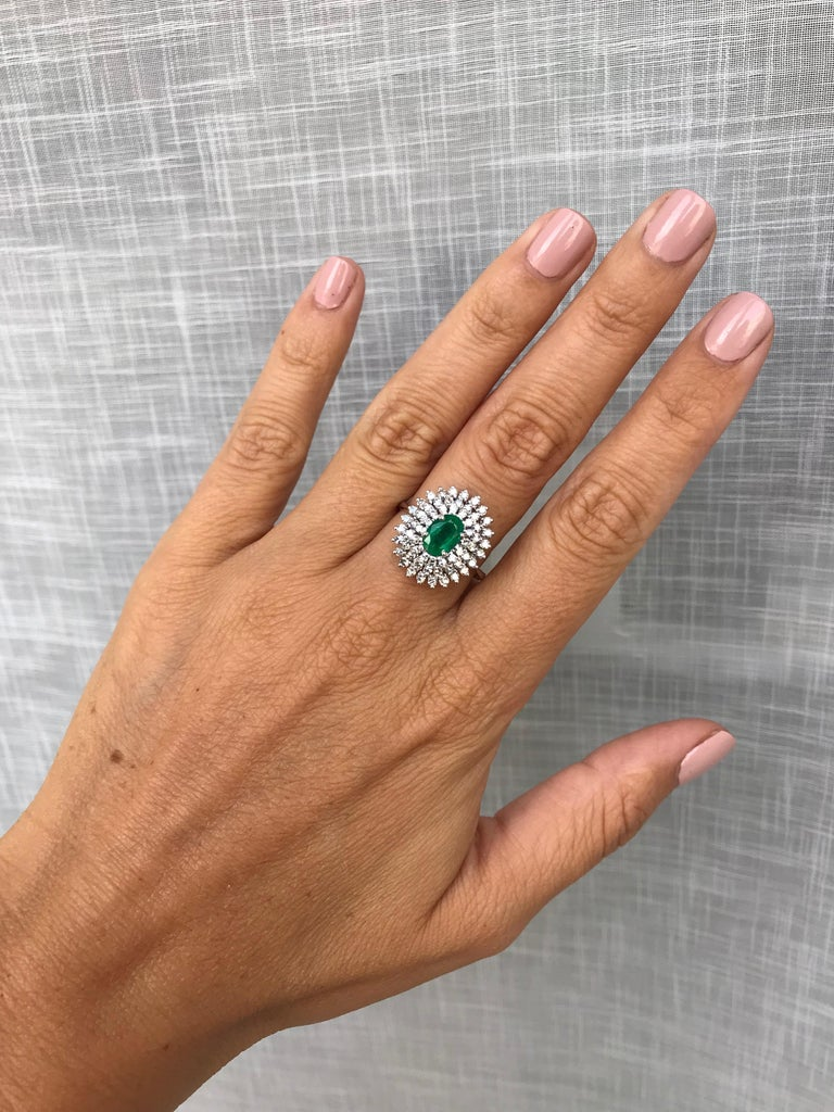 Estate Colombian Emerald Diamond Gold Cluster Ring For Sale 2