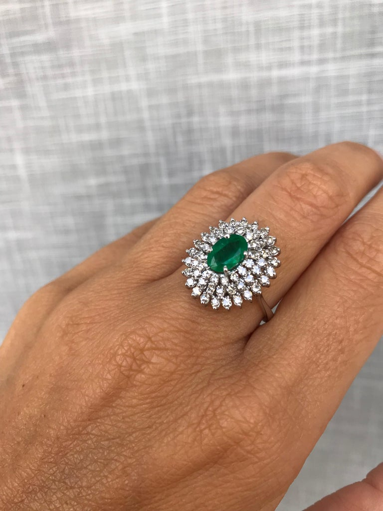 Estate Colombian Emerald Diamond Gold Cluster Ring For Sale 3