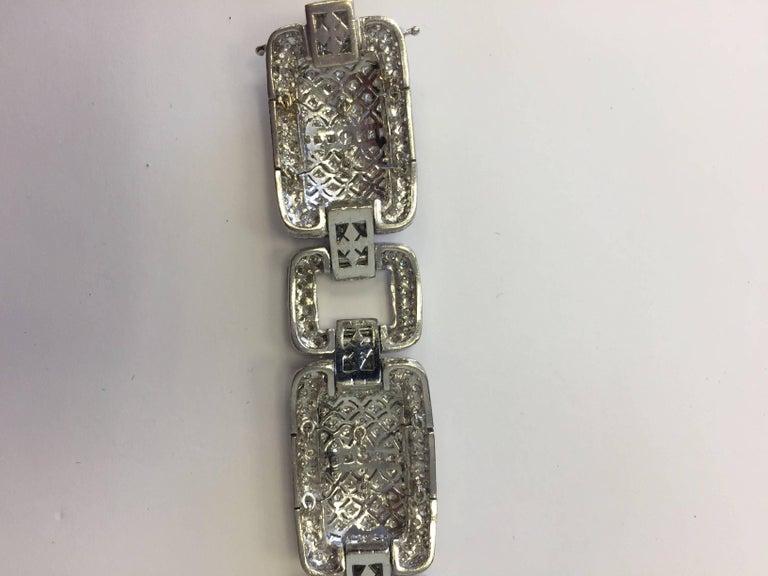 Estate Designed Diamond Bracelet in 18 Karat White Gold In New Condition For Sale In Los Angeles, CA