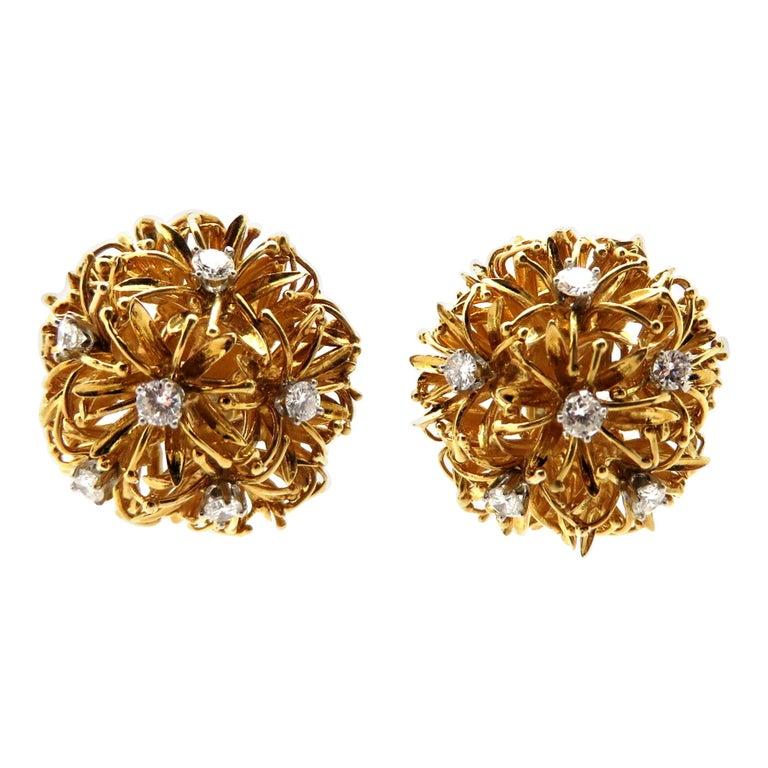 Estate Designer David Webb 18 Karat and Platinum Dandelion Diamond Earrings For Sale
