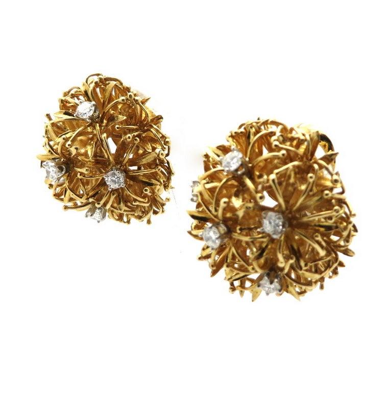 Estate Designer David Webb 18 Karat and Platinum Dandelion Diamond Earrings In Excellent Condition For Sale In Scottsdale, AZ
