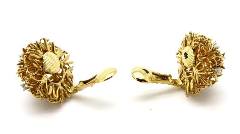 Women's Estate Designer David Webb 18 Karat and Platinum Dandelion Diamond Earrings For Sale