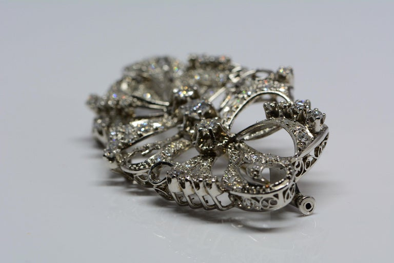Round Cut Estate Diamond and Platinum Brooch 2.98 Carats For Sale