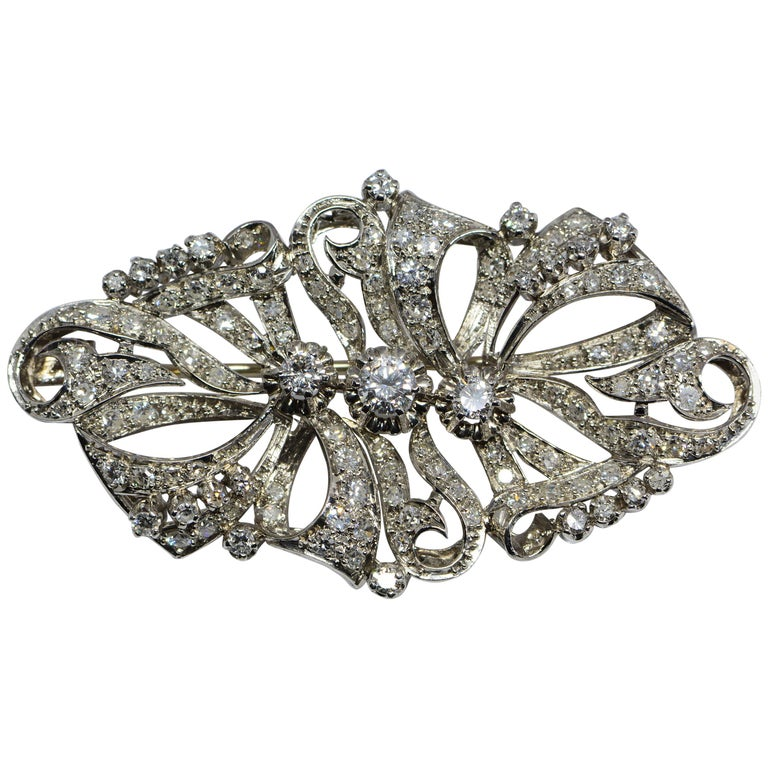 Estate Diamond and Platinum Brooch 2.98 Carats For Sale