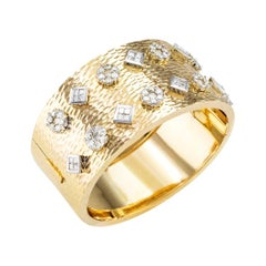 Estate Diamond Yellow Gold Hinged Bangle Bracelet