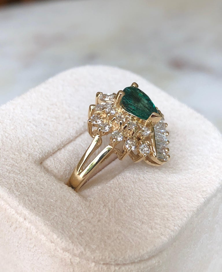 Estate Emerald and Diamond Cocktail Ring Gold For Sale 3