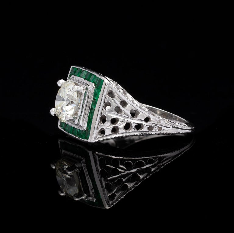 Round Cut Estate Emerald Diamond and White Gold Ring For Sale