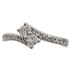 Estate Ever Us Firestar Modi Diamond Round Ring in 14 Karat White Gold