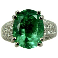 Fine Estate Fine 4.90 Carat Emerald Diamond Engagement Ring